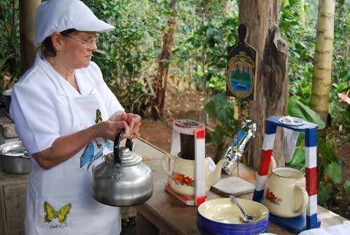 tours-de-un-dia-tour-cafe-nacientes-palmichal-cafe